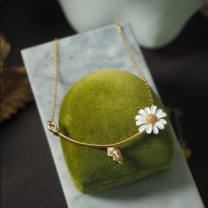 ❗️LAST1❗️Kate Spade Into the Bloom Daisy Necklace